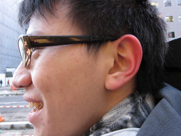 主角是漸層的耳朵