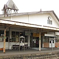 月台上看車站的背面