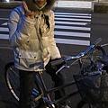 再照一張晚上的腳踏車上照