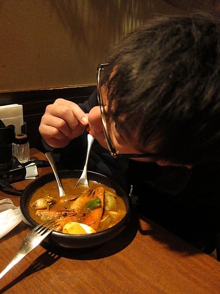 吃第一天找不到的湯咖裡