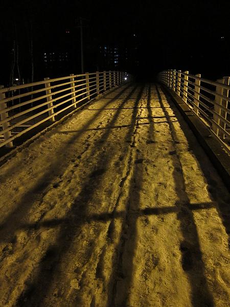 也經過這條橋好多個晚上