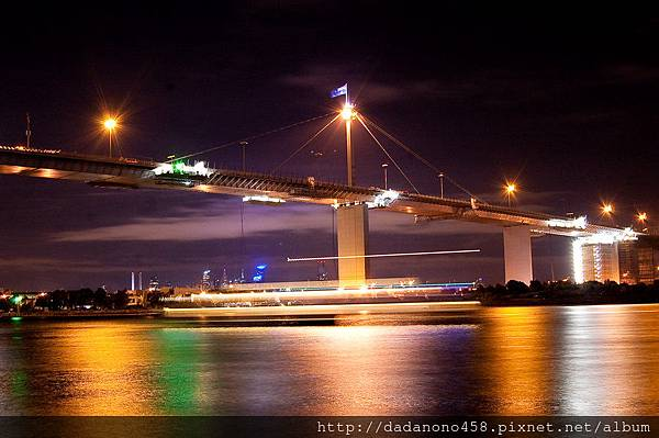 night__west_gate_bridge_by_punkdiva-d30fs4o