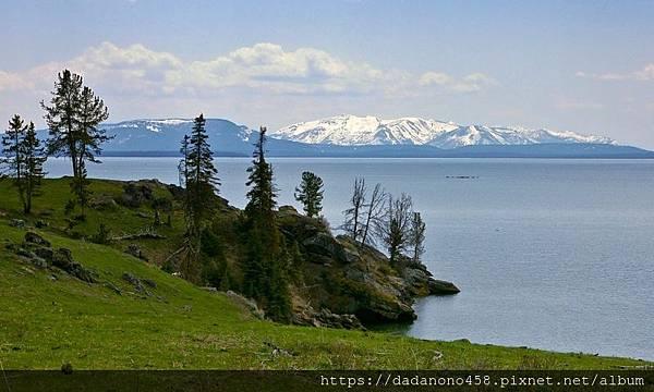 2920_3Lfd1_Yellowstone_Lake_lg