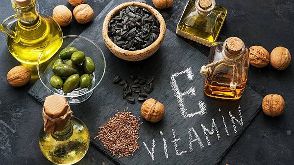 Benefits-of-Vitamin-E-How-this-magic-ingredient-works-for-your-skin-866x487.jpg