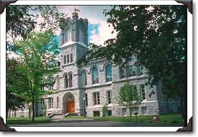 12Queen's%20Theological%20College,%20Kingston.jpg