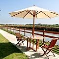 河畔露天咖啡座2.jpg
