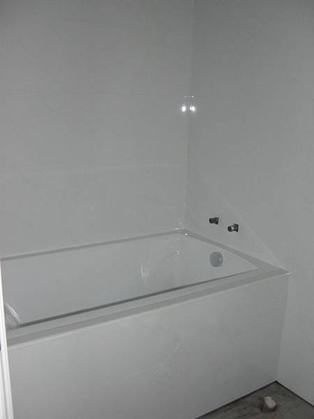 施工前浴室.jpg