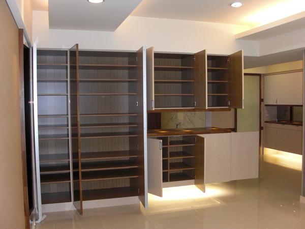 客廳收納櫃2.JPG
