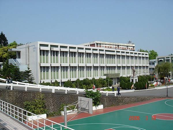 950318_國管院院慶巡禮_23-財經坡、圖書館