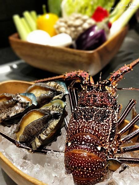 傳統粵菜酒樓常見龍鮑翅,近年環保意識抬頭,已較少食用魚翅 (2).jpg