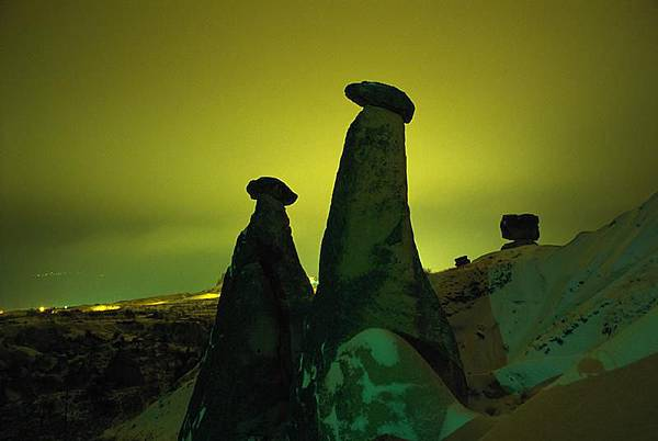 卡帕多細亞的岩窟群.jpg