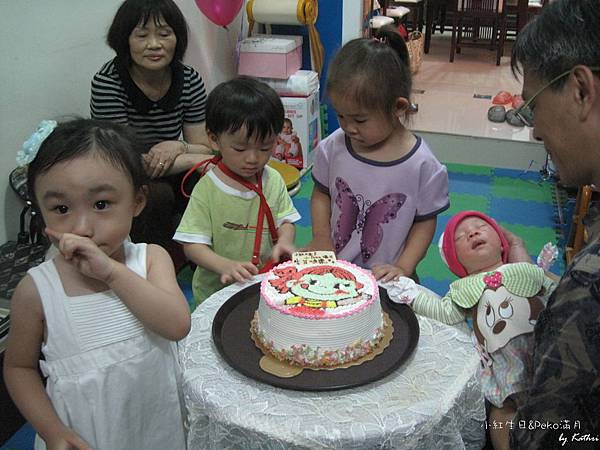 [2Y10M22D]要準備唱生日快樂歌囉~