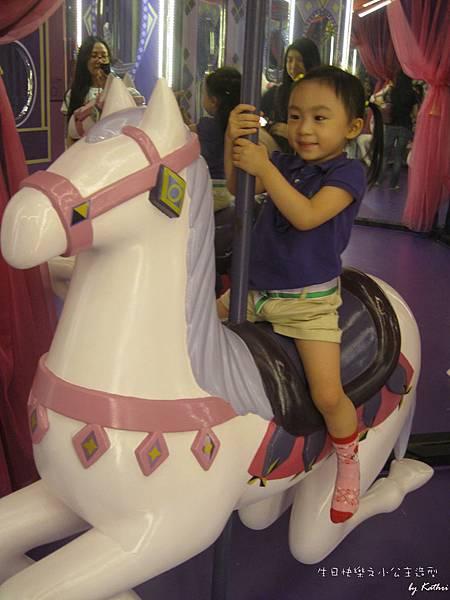 [3Y0M0D]小紅公主也在後面