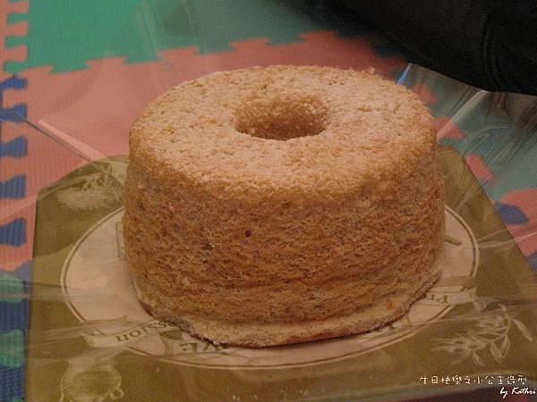 [3Y0M0D]糖果阿姨很貼心地幫小妞又買了一個香蕉蛋糕