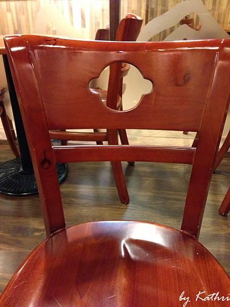 椅子感覺是大頭