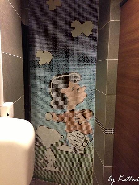 廁所唯一有的裝飾