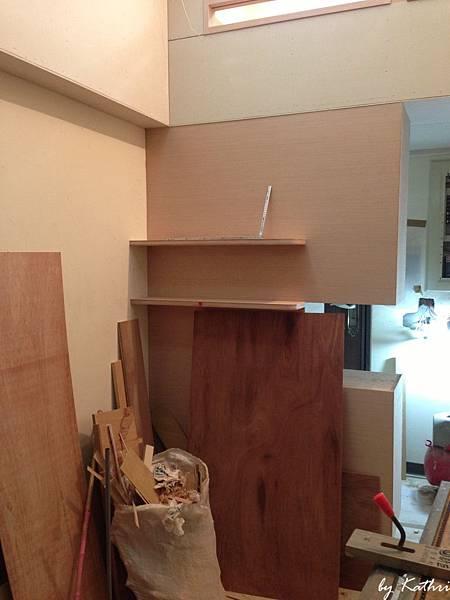 鞋櫃後面的層板/CD架