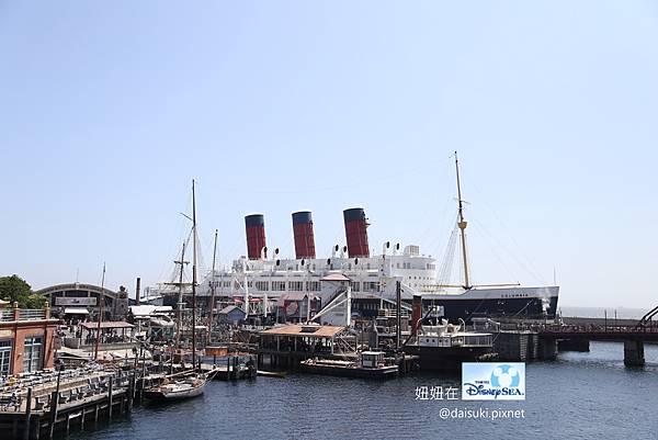 DAY3 有三個煙囪(但不是真的有煙)的船塢