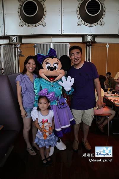 DAY3 Minnie的全家福