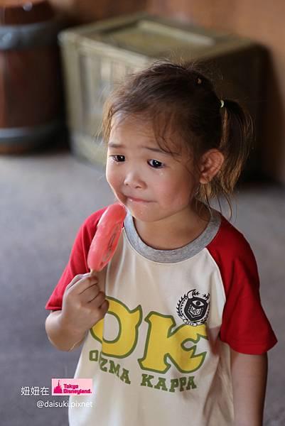 DAY4 這次是因為馬麻吃了她米妮的耳朵 XD