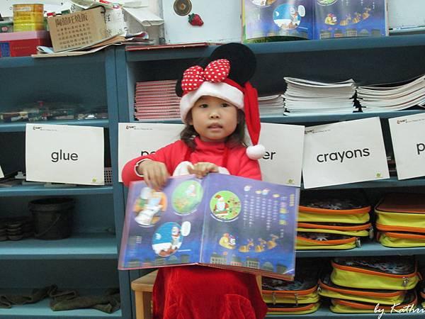 131223[特別的日子-熱鬧的耶誕] 說故事給同學聽.JPG