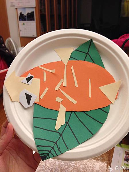 140219[4Y4M23D] 吃葉子的小雞