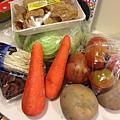 蕃茄蔬菜湯材料
