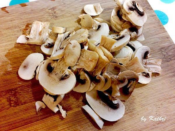 蘑菇切片.jpg