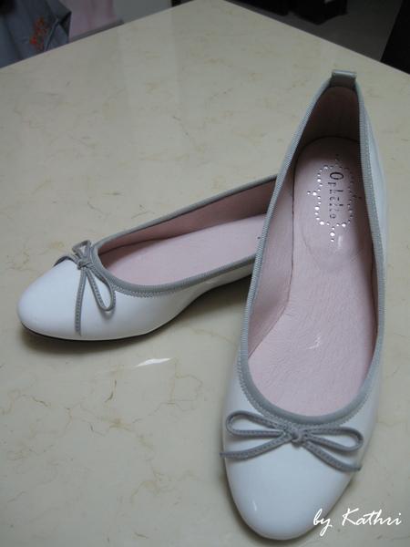 女人總是有理由買鞋.jpg