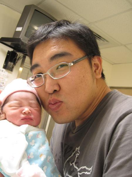 090927[第1天]臭小妞趕著來到這世界!