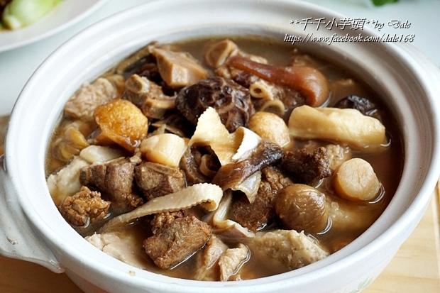 復興空廚年菜佛跳牆+滷梅干扣肉+紅燒蕃茄燉牛腩+八寶芋泥24.JPG