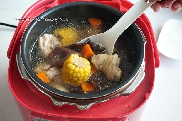 玉米木耳雞湯6.JPG