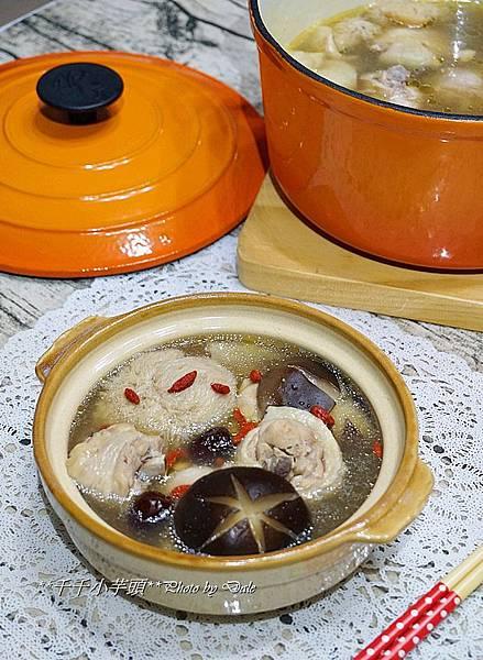 猴頭菇雞湯1.JPG