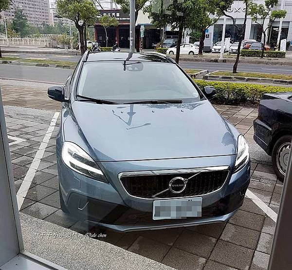 Volvo V40 Cross Country7.jpg