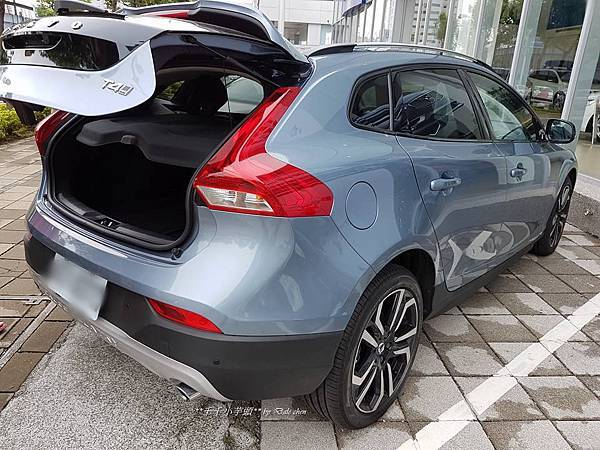 Volvo V40 Cross Country16.jpg