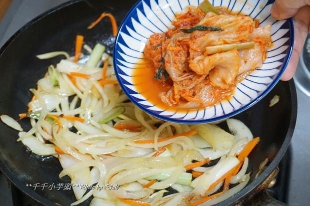 泡菜豬肉粉絲煲19.JPG