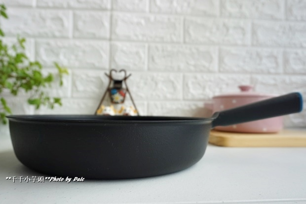 日本極輕鑄鐵平底鍋7.JPG