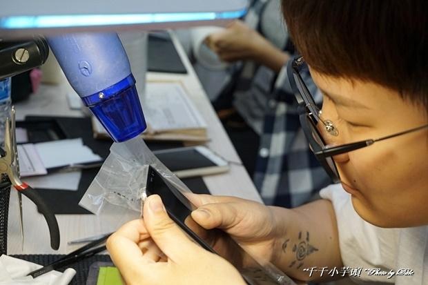 iDeology iPhone現場維修包膜34-.JPG