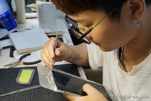 iDeology iPhone現場維修包膜43.JPG