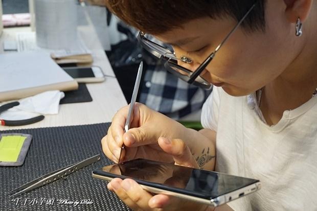 iDeology iPhone現場維修包膜46.JPG