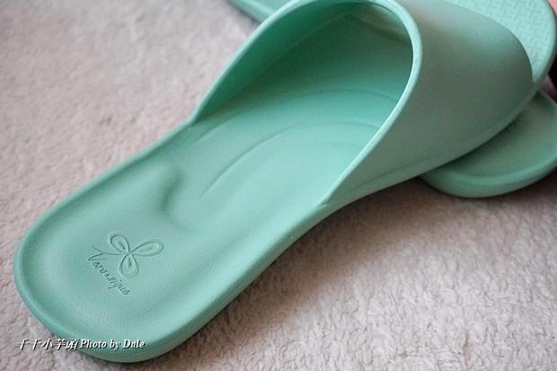 VERO & NIQUE 維諾妮卡簡約機能室內拖鞋9.JPG