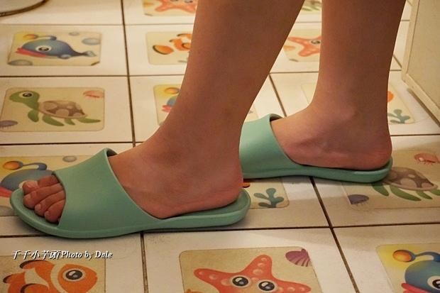 VERO & NIQUE 維諾妮卡簡約機能室內拖鞋20.JPG