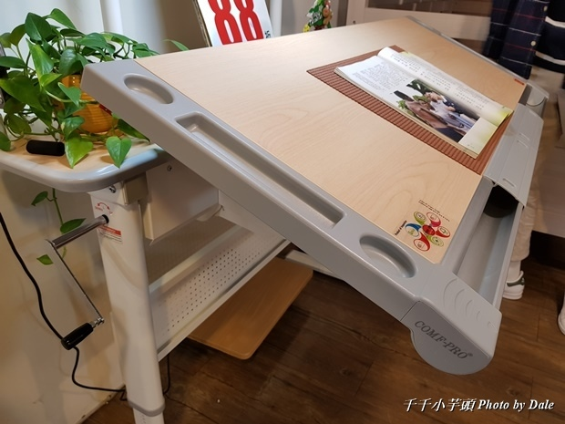 康樸樂兒童成長書桌椅34.jpg