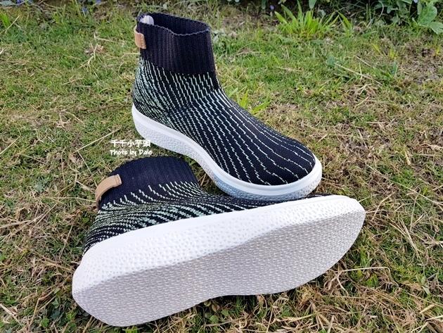 inooknit極光中筒襪鞋7.jpg