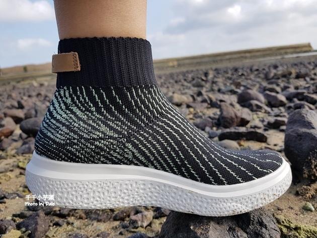 inooknit極光中筒襪鞋15.jpg