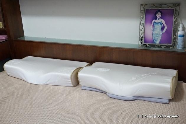 德瑞克名床-親水涼感記憶枕16.JPG