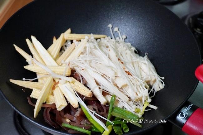 紅蔥金針菇3.JPG
