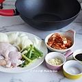 韓式泡菜洋蔥雞1.JPG