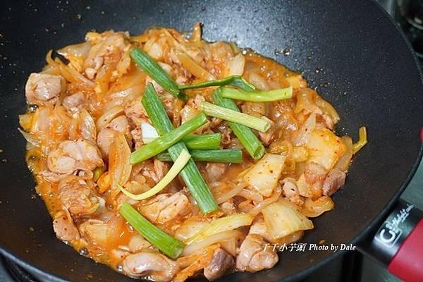 韓式泡菜洋蔥雞8.JPG