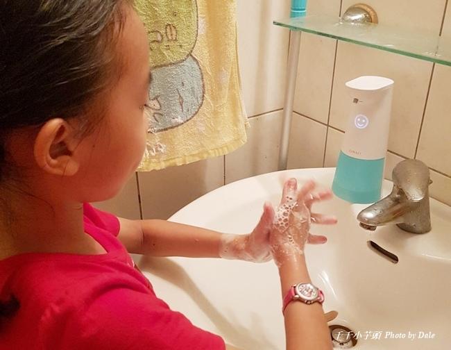FUWALY自動感應洗手機給皂器1.jpg